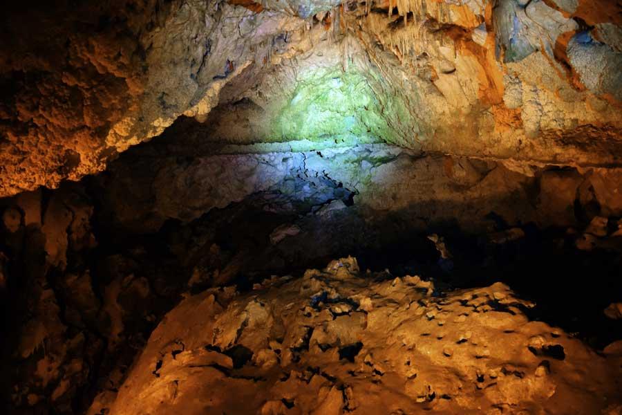 Burdur İnsuyu mağarası kaya formasyonları - the Mediterranean region Insuyu cave rock formations