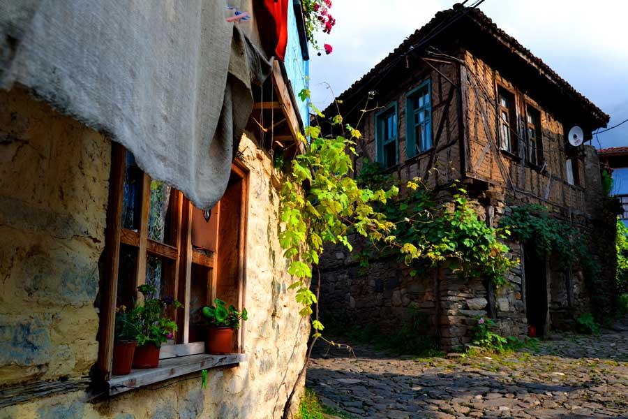 Bursa Cumalıkızık fotoğrafları tarihi geleneksel Cumalıkızık köyü evleri - Marmara region Bursa, Historical typical Cumalikizik Village houses