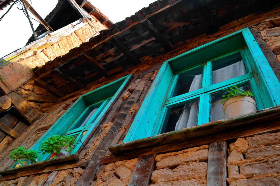 Bursa Cumalıkızık fotoğrafları tarihi geleneksel Cumalıkızık köyü evleri - Marmara region Bursa Historical typical Cumalikizik Village houses