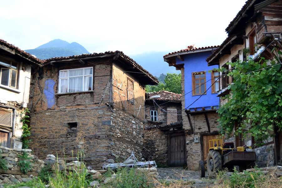 Cumalıkızık fotoğrafları tarihi geleneksel Cumalıkızık köyü evleri - Historical typical Cumalikizik Village houses
