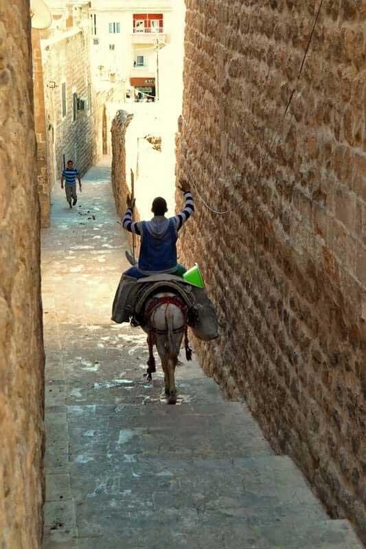 Güneydoğu Anadolu güzergahı Mardin sokakları - Southeastern Anatolia route photos riding to work in Mardin streets