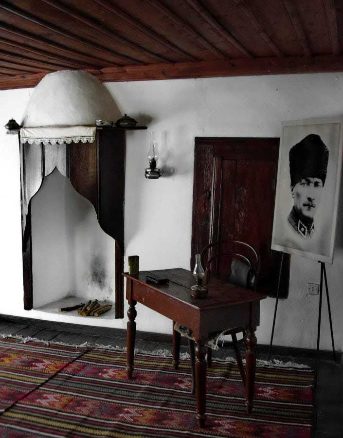Gelibolu fotoğrafları Bigalı Köyü Atatürk evi (restore edilmeden önce) - Gallipoli photos Ataturk's home in Bigalı village (before restoration)