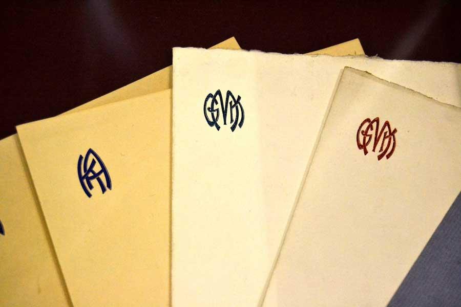 Harbiye Askeri Müze fotoğrafları Kemal Atatürk'ün kullandığı, baş harflerini taşıyan özel tasarım zarflar - Envelopes of Kemal Atatürk's initials, Military Museum
