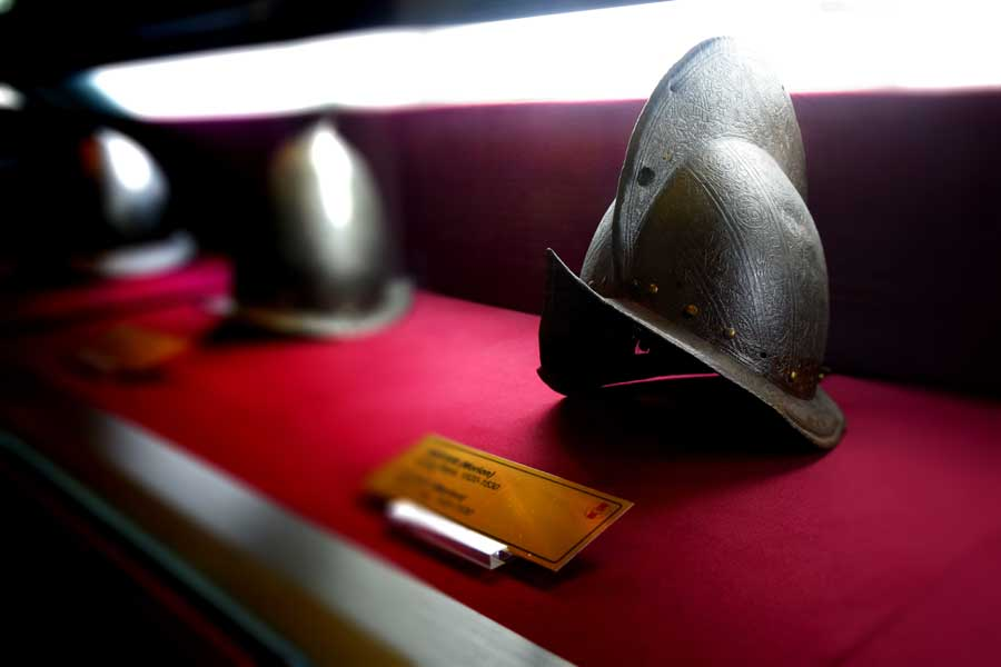 Harbiye Askeri Müzesi eserleri Miğfer (Morion) 16.yy. - Helmet (Morion) 16th Century, Istanbul Military Museum