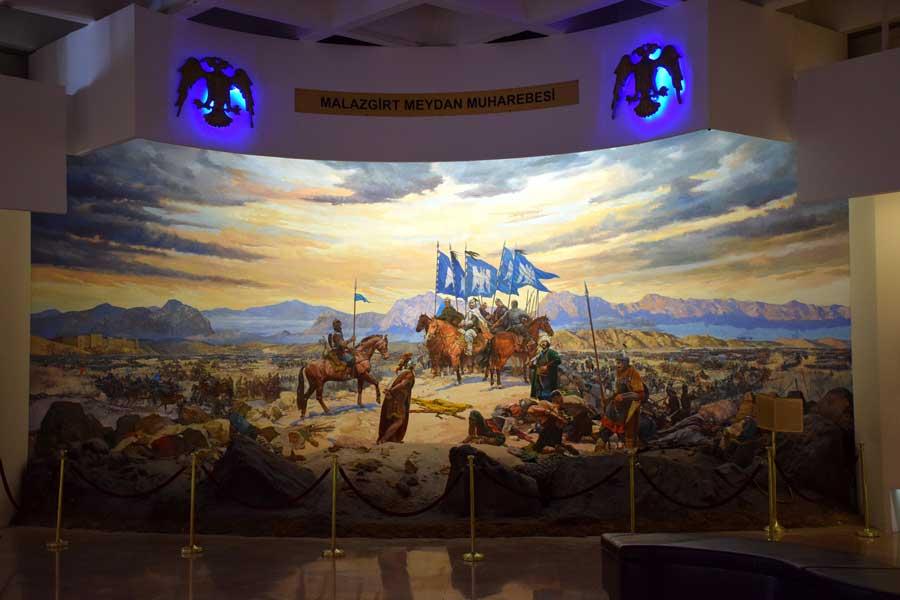 Harbiye Askeri müzesi Malazgirt meydan muharebesi canlandırması - Istanbul Military Museum battle of Manzikert animation