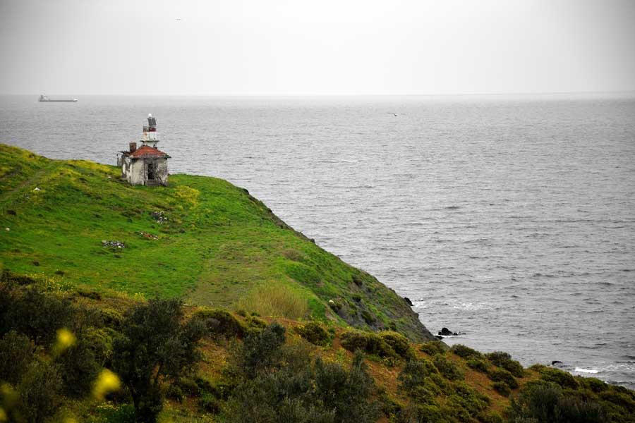 Kapıdağ yarımadası kuzeydeki deniz feneri, Balıkesir Bandırma - Kapidag peninsula light house at the north of peninsula, Bandirma Turkey