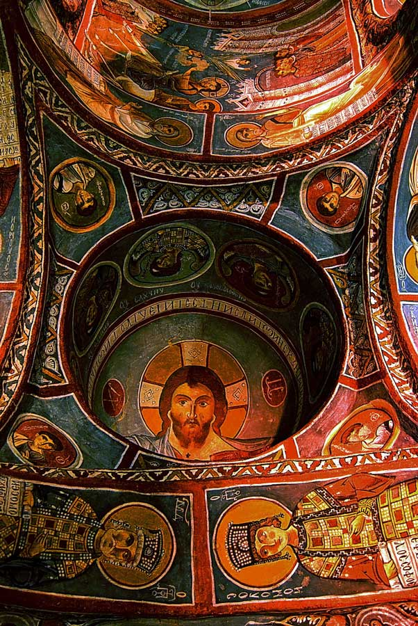 Kapadokya Nevşehir Göreme açık hava müzesi Karanlık Kilise M.S. 11. yüzyıl Ürgüp Kapadokya fotoğrafları - Göreme Openair museum, Dark Church, A.C 11th cent., Cappadocia photos