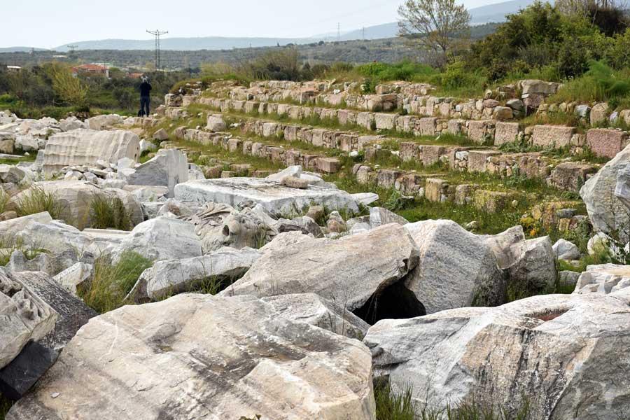 Kyzikos antik kenti Hadrian tapınağı kalıntıları fotoğrafları Erdek Bandırma - Kyzikos ancient city ruins of Hadrianus temple photos Erdek Turkey