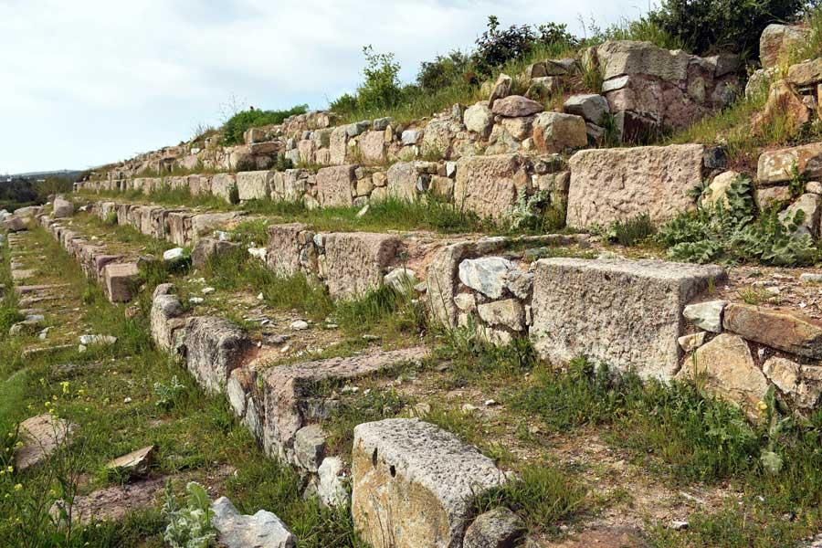 Kyzikos antik kenti fotoğrafları Hadrian tapınağı kalıntıları Erdek Bandırma - Kyzikos ancient city ruins of Hadrianus temple Erdek Turkey