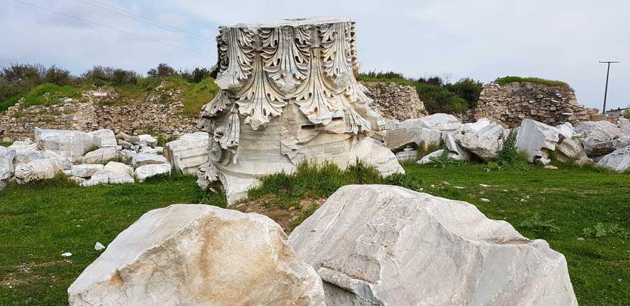 Kyzikos antik kenti sütun harabesi Kapıdağ yarımadası Erdek Bandırma - Kyzikos ancient city ruin of column, Kapidag peninsula Turkey