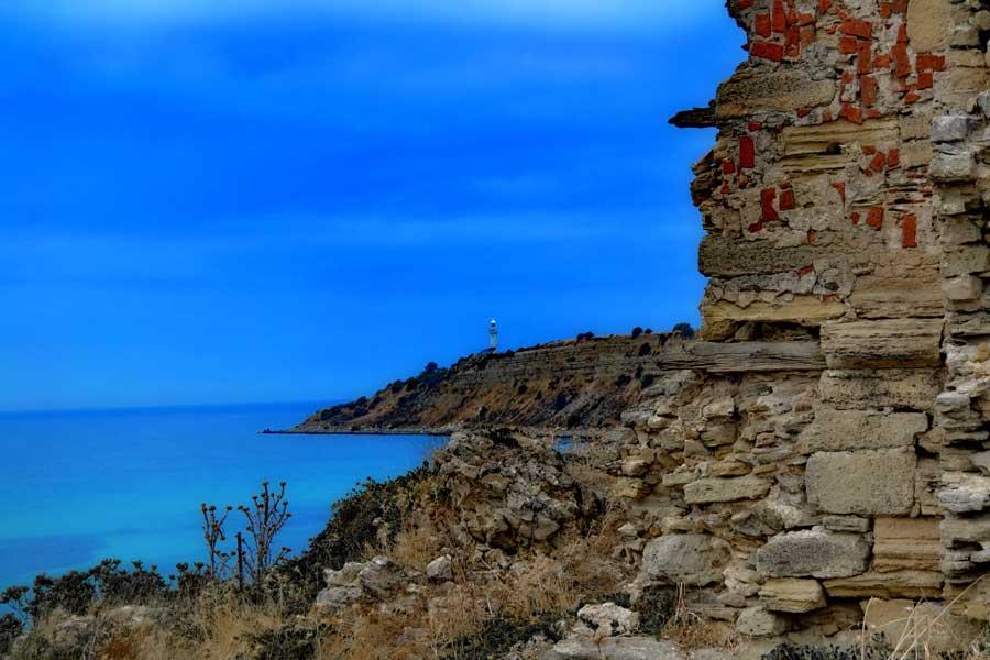 Seddülbahir kalesi içinden Mehmetçik feneri, Seddülbahir fotoğrafları - Mehmetcik lighthouse from Sedd el Bahr Fortress, Gallipoli Sedd el Bahr fotoğrafları