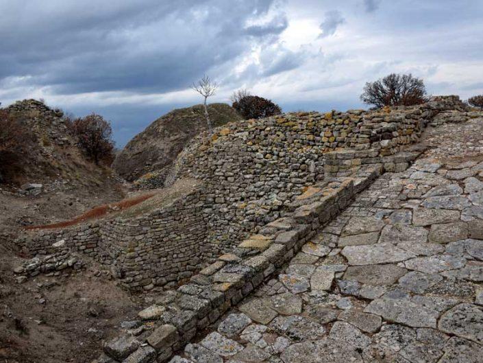 Troya antik kenti girişi ve surlar - Troy city entry and ramparts, Troy ancient city photos