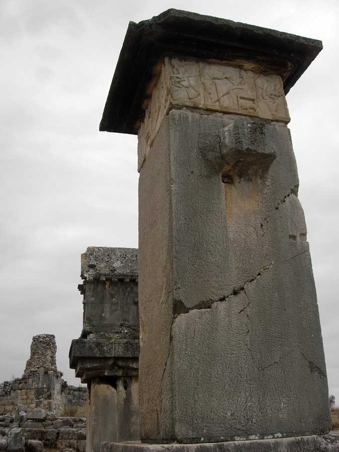 Xanthos antik kenti Harpy lahit anıtı ve Likya lahdi - Xanthos photos Harpy Tomb Monument and Lycian Sarcophagus