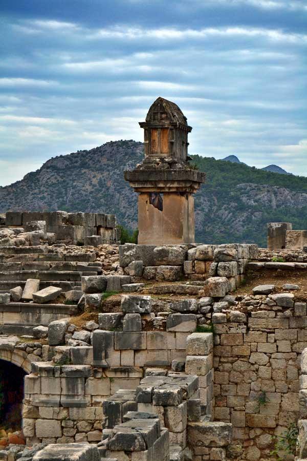 Xanthos fotoğrafları Antik tiyatro ve Likya lahdi - photos of Xanthos ancient city Theatre and Lycian Sarcophagus