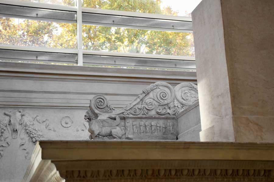 Ara Pacis Müzesi Sunaktaki Vestal Bakireleri fotoğrafları - Rome Ara Pacis Museum Vestal Virgins on the altar