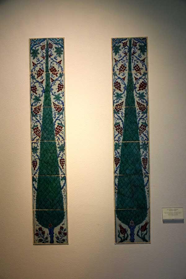 Gülbenkyan Müzesi eserleri İznik Çinisi, 16.yy. - Calouste Gulbenkian Museum (Museu Calouste Gulbenkian) Iznik tile 16th century