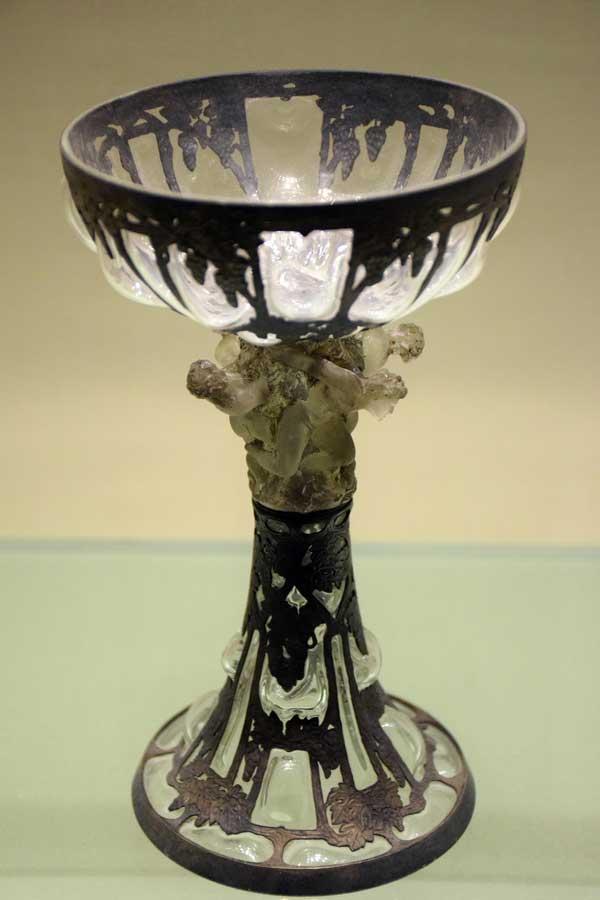 Gülbenkyan Müzesi eserleri fotoğrafları asma biçiminde figürlü kadeh, 1899 - Portugal Calouste Gulbenkian Museum (Museu Calouste Gulbenkian) vine and figure goblet