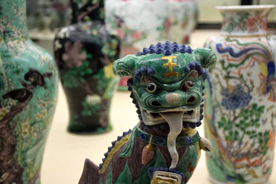 Gülbenkyan Müzesi fotoğrafları Çin vazo ve heykelleri - Lisbon Calouste Gulbenkian Museum (Museu Calouste Gulbenkian) Chinese vases and sculptures