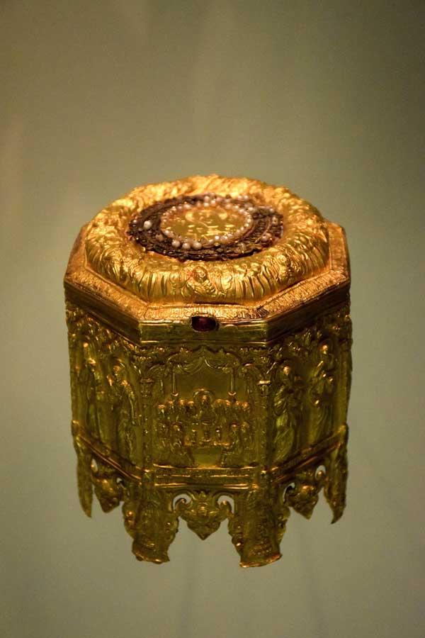Gülbenkyan Müzesi fotoğrafları Kutsal Ekmak kutusu Kayseri 1687 - Portugal Lisbon Calouste Gulbenkian Museum (Museu Calouste Gulbenkian) Pyx