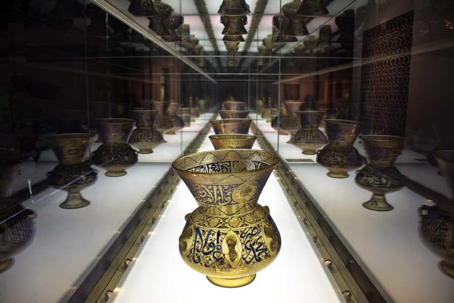 Gülbenkyan Müzesi fotoğrafları Memlük Cami Lambaları 14.yy. - Lisbon Calouste Gulbenkian Museum (Museu Calouste Gulbenkian) Mosque Lamps