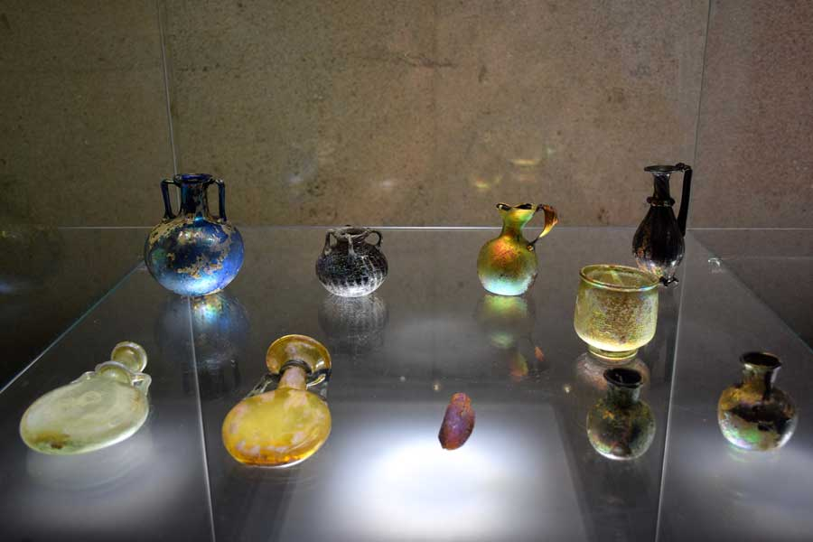 Gülbenkyan Müzesi fotoğrafları Roma cam işçilikleri - Lisbon Calouste Gulbenkian Museum (Museu Calouste Gulbenkian) Roman glassas