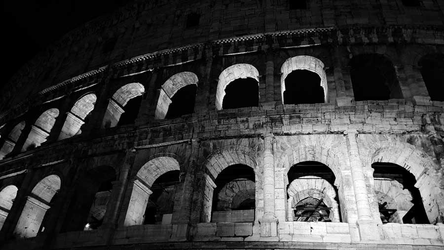 Kolezyum fotoğrafları dış duvar ve pencereleri - Colosseum photos exterior wall and windows of Colosseum