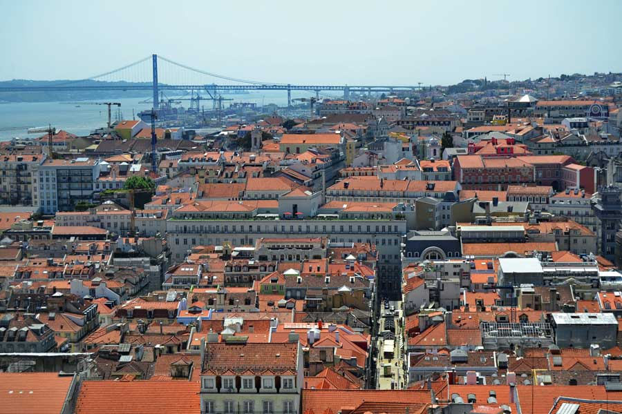 Lizbon şehir merkezi ve Tejo nehri - Lisbon city center and Tejo river