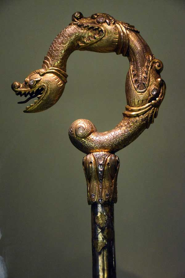 Lizbon Gülbenkyan Müzesi eserleri fotoğrafları Üç yılanlı asa Ermeni sanatı 17.yy - Lisbon Calouste Gulbenkian Museum (Museu Calouste Gulbenkian)