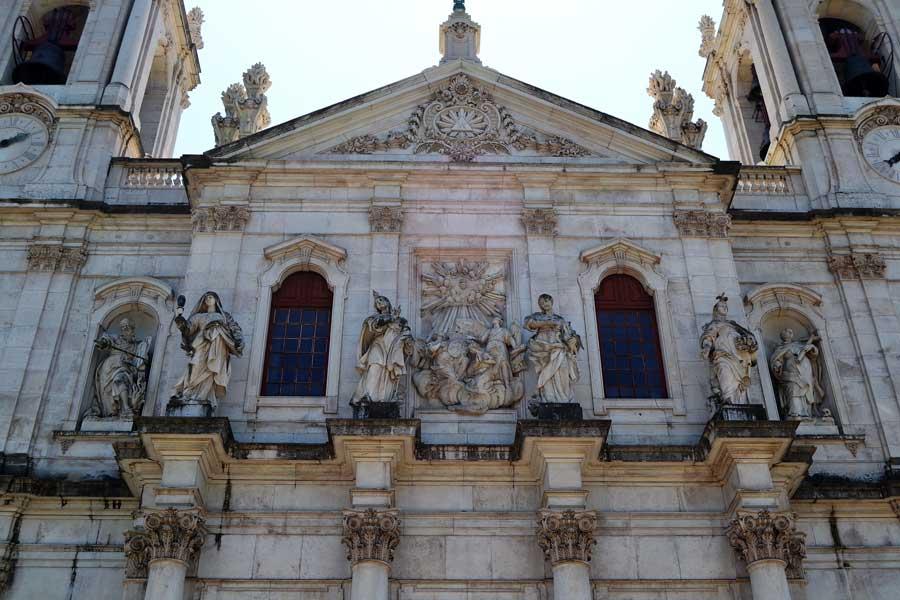 Lizbon bazilikaları Estrela Bazilikası heykelleri - Lisbon statues at the Estrela Basilica (Basilica da Estrela)