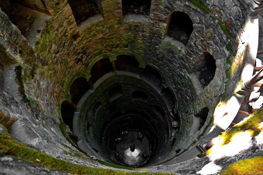 Lizbon gezilecek yerler Ters Kule fotoğrafları - Sintra photos initiatic well Reverse Tower (Quinta da Regaleira)