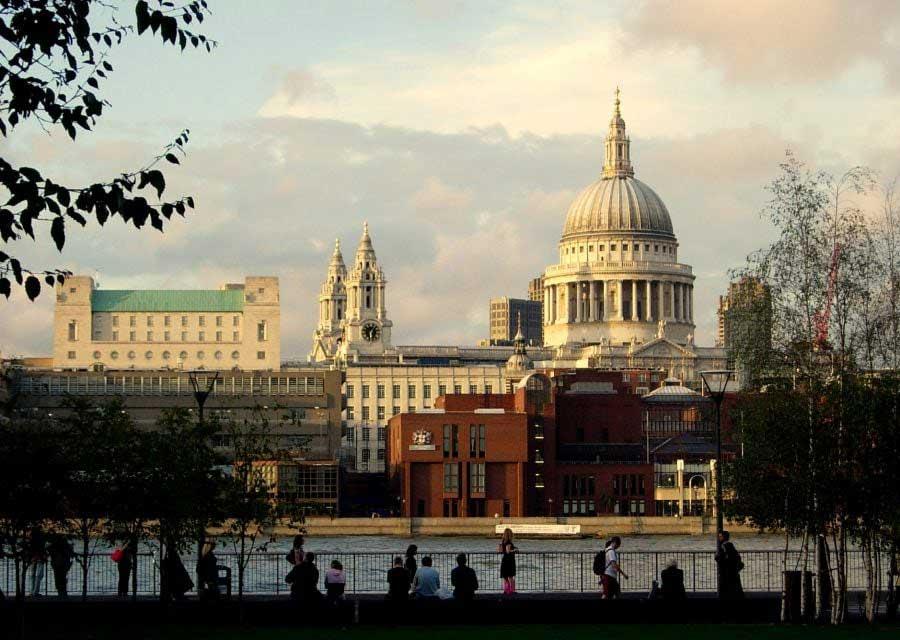 Londra fotoğrafları Southbank kıyısından St. Paul katedrali - London St Paul Cathedral