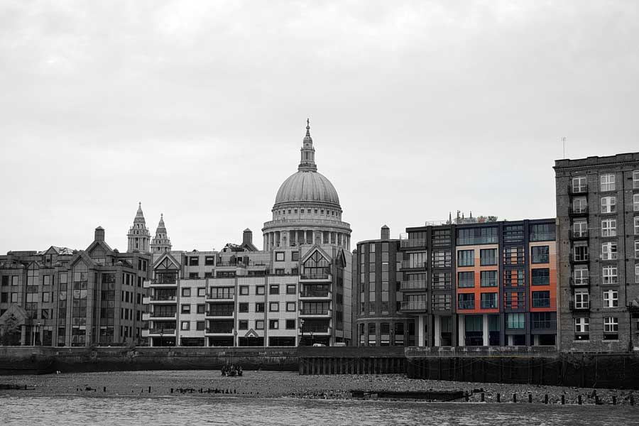 Londra fotoğrafları Thames nehri ve St. Paul Katedrali - St. Paul Cathedral from the Thames river London photos