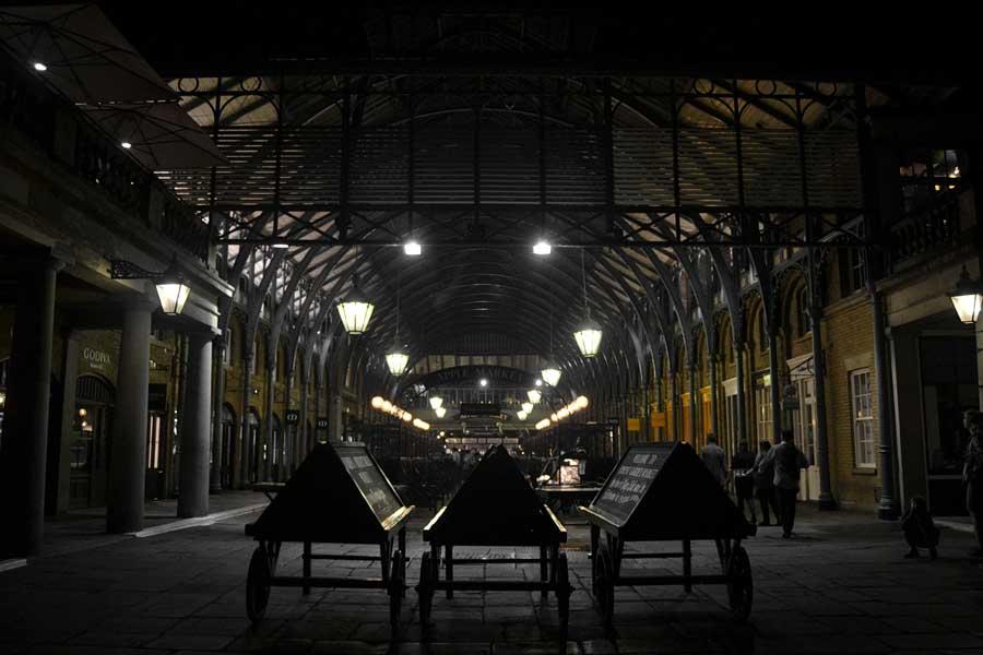 Londra gezilecek yerler tarihi Elma Pazarı - London Covent Garden the apple market