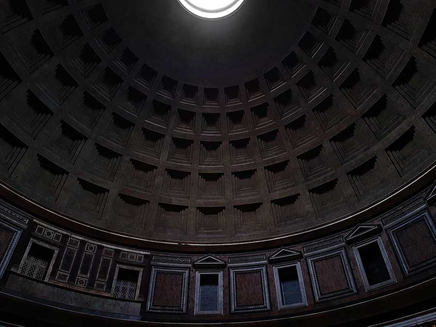 Pantheon fotoğrafları kasetli beton kubbe ve kubbe kasnağı pencereleri - Rome Pantheon coffered concrete dome and dome ring windows