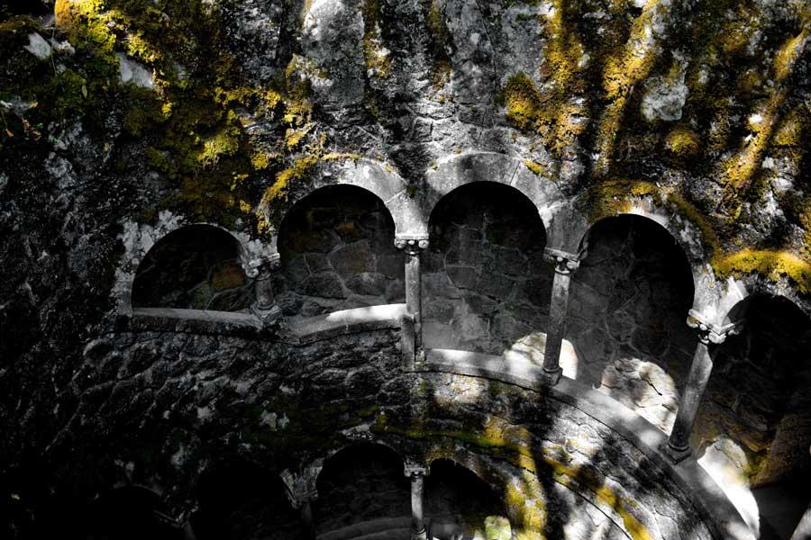 Portekiz gidilecek yerler Ters Kule fotoğrafları - Sintra Quinta da Regaleira Reverse tower photos