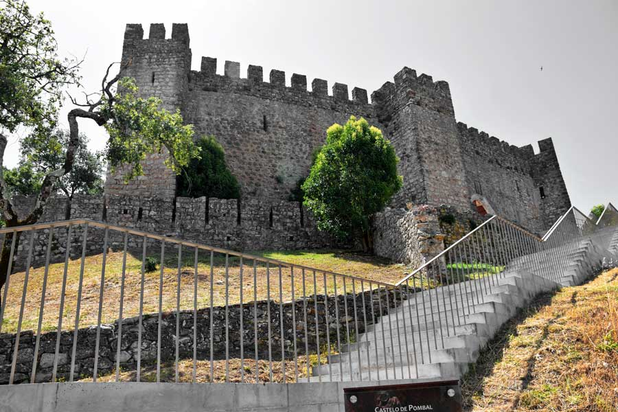 Portekiz gidilmesi gerekli yerler Pombal Kalesi - Portugal Castle of Pombal (Castelo de Pombal)