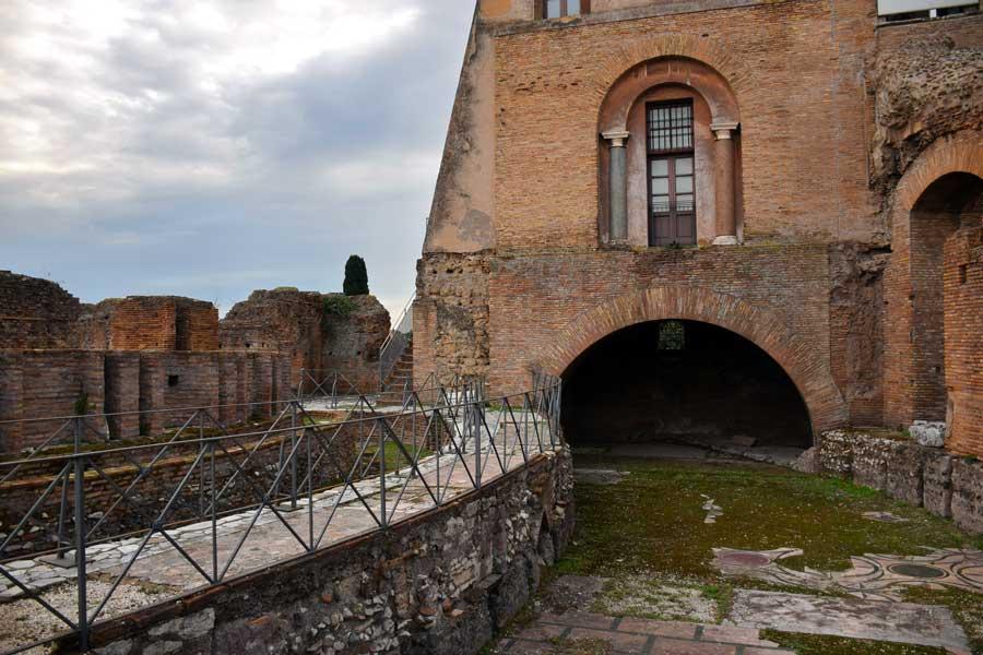 Roma önemli antik binalar Palatino Tepesi Roma Forumu Domus Flavia - Rome Roma Forum Domus Flavia on the Palatine Hill