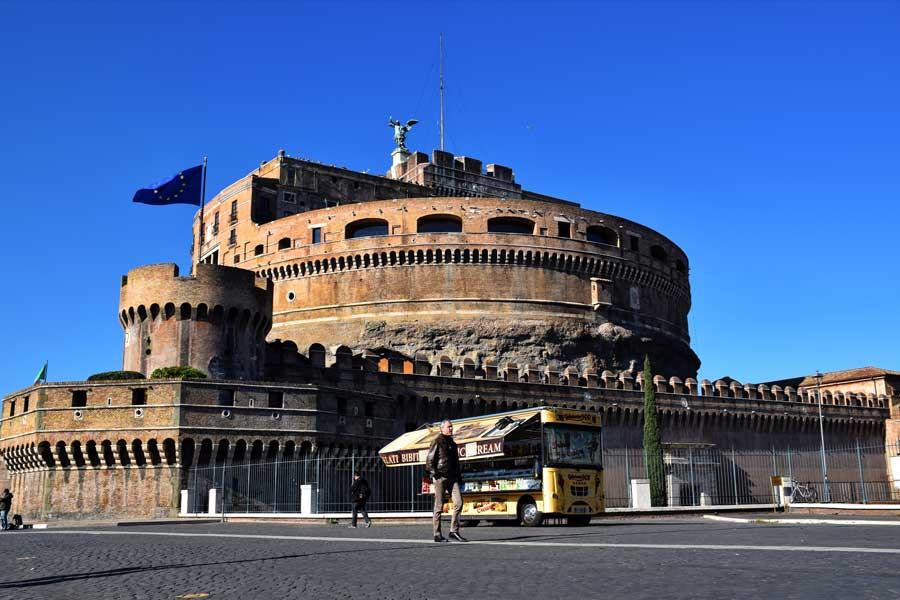 Roma önemli mimari gezilecek yerler Sant'Angelo Kalesi veya Melekler Kalesi - Rome Castel Sant Angelo photos