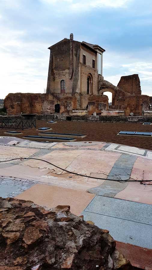 Roma Palatino Tepesi fotoğrafları Domus Flavia ve yerdeki taş mozaikler - Rome Roman Forum photos Palatine Hill and stone mosaics