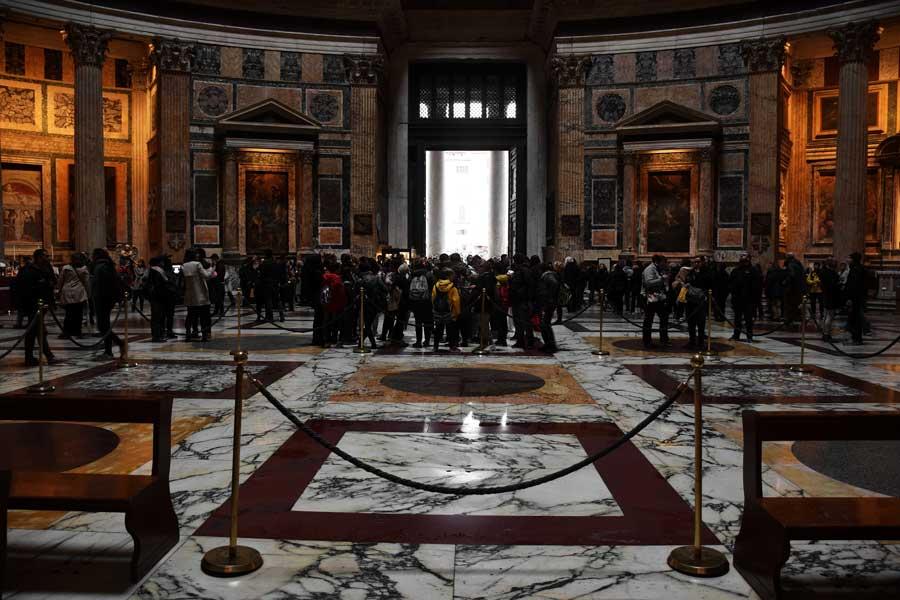 Roma Pantheon fotoğrafları giriş kapısı ve iç mekanı - Rome Pantheon interior and entrance gate