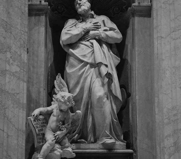 Roma Vatikan Aziz Petrus Bazilikası veya San Pietro Bazilikası heykelleri San Pietro meydanı - Rome Vatican sculptures of St. Peter's Basilica (Basilica di San Pietro)