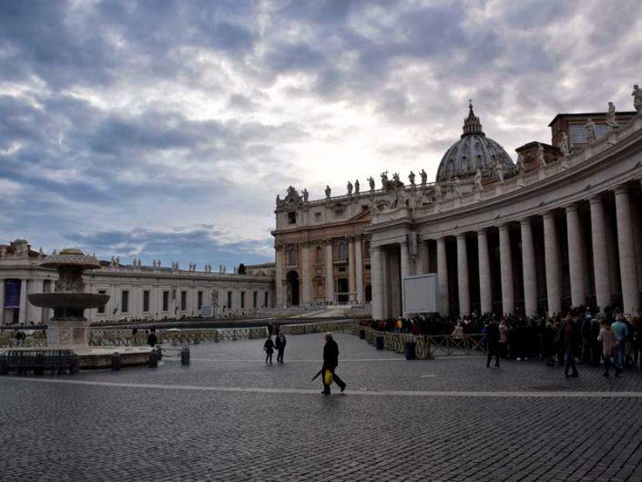 Roma Vatikan gezilecek yerler Aziz Petrus Bazilikası ve meydanı (San Pietro Bazilikası ve meydanı) - Rome Vatican St. Peter's square (Piazza San Pietro)