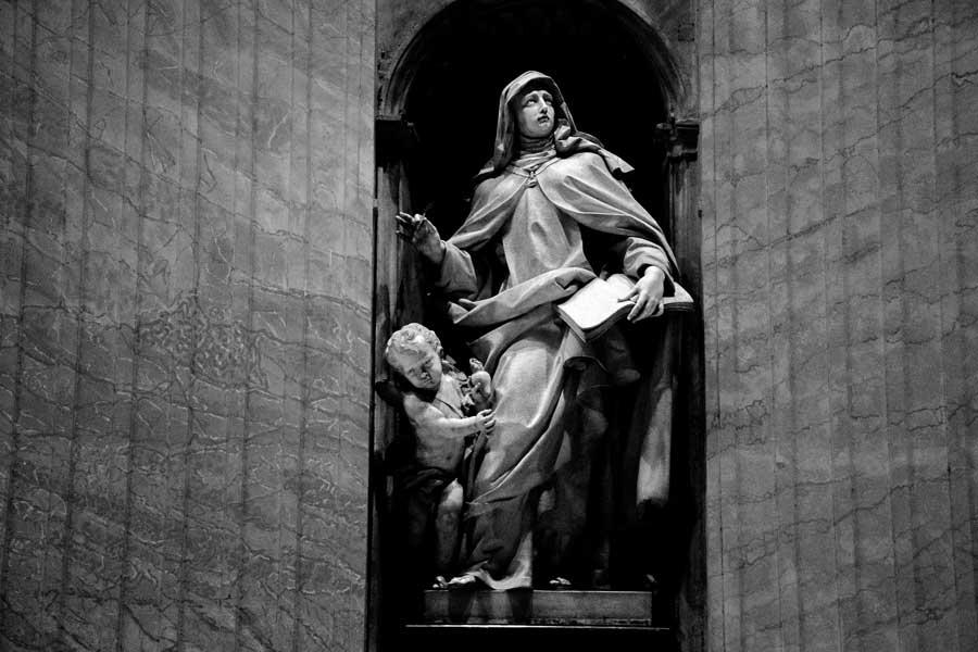 Roma Vatikan gezilecek yerler Aziz Petrus Bazilikası veya San Pietro Bazilikası heykelleri - Rome Vatican statues of St. Peter's Basilica or Basilica di San Pietro