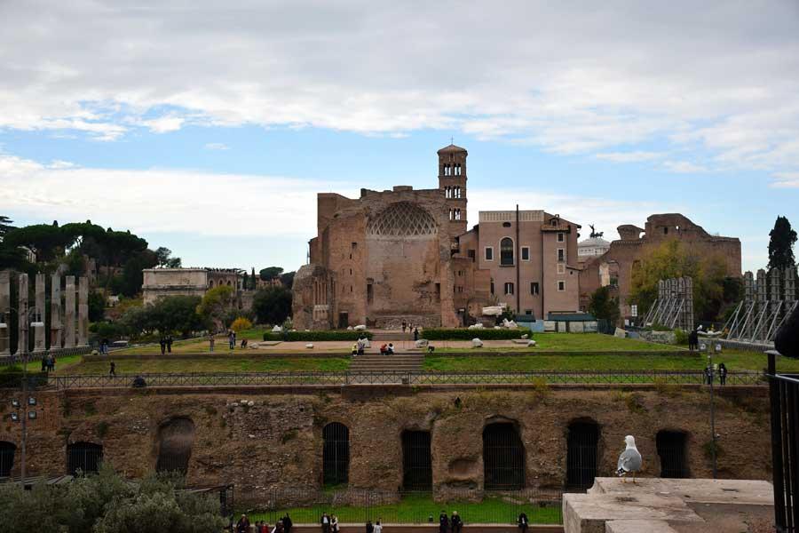 Roma gezilecek önemli yerler Palatino tepesi Roma Forumu Antiquarium Forense - Rome Palatine Hill Roman forum Antiquarium Forense