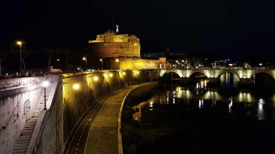 Roma gezilecek önemli yerler Sant'Angelo Kalesi - Rome Castel Sant Angelo