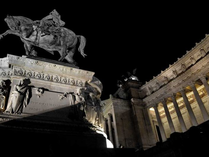 Roma gezilecek yapılar ve yerler Vittorio Emanuele II Abidesi - Rome Monument of Vittorio Emanuele II (Altare della Patria)