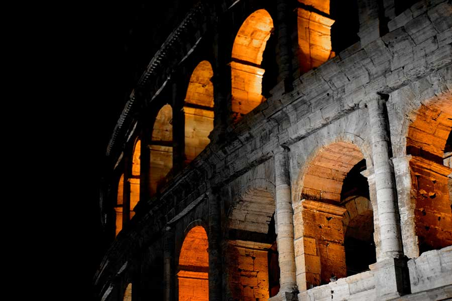 Roma gezilecek yerler Kolezyum fotoğrafları Kolezyum dış duvarı ve pencereleri - Colosseum photos exterior wall and windows