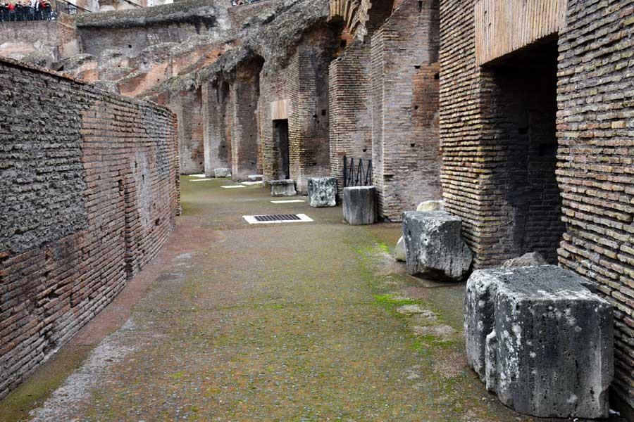 Roma gezilecek yerler Kolezyum içi fotoğrafları - Colosseo Colosseum photos