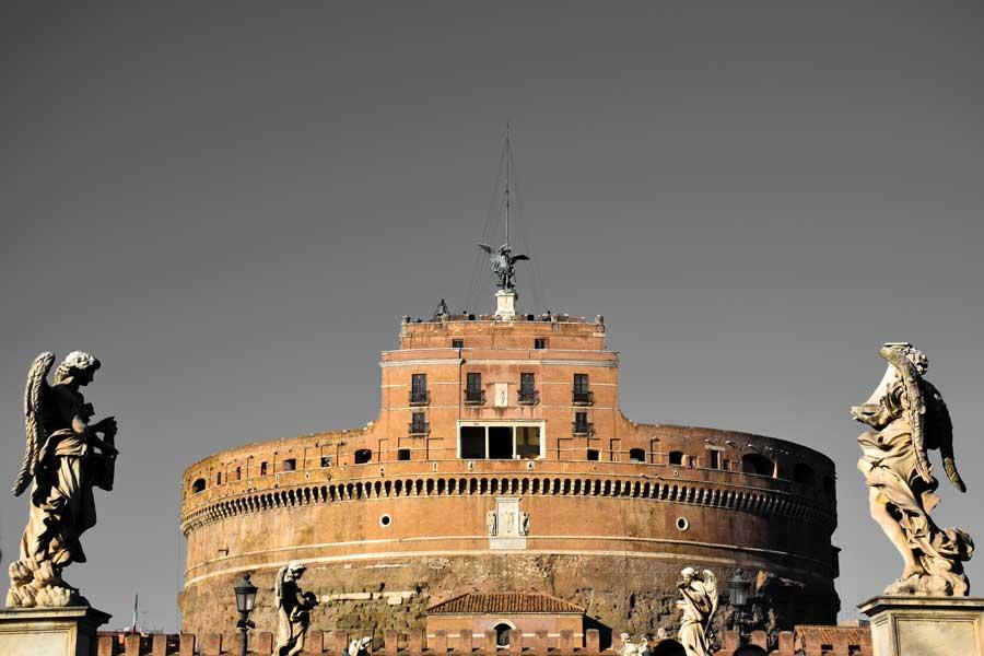 Roma Sant Angelo Kalesi veya Kutsal Melek Kalesi Bilgileri