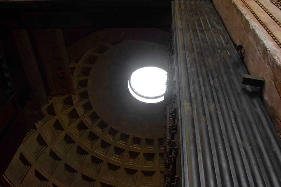 Roma gezilmesi gerekli yerler Pantheon kubbesi - Rome Pantheon dome